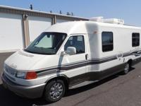 1999 Winnebago Rialta 22' camper van, model is 221QD.