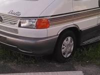1999 Winnebago Rialta (FL) - $23,500 Length: 21.5 feet