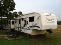 1999 36 Foot Cari-Lite 5th wheel for sale. In great