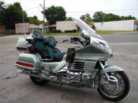 1999 Honda Goldwing in Excellent Condition- -