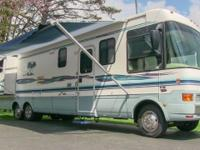1999 National RV Tropical 6373 luxury class A gas