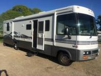 1999 Winnebago Adventurer 35C Class A . We are the