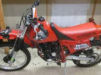 1998 HONDA XR200R DIRT BIKE RED 200CC - RUNS GOOD 1998
