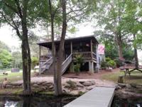www.dajaviewfarm.com This wonderful 700 sqft log cabin