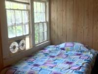 HENDERSONVILLE HOME RENTING SMALL BEDROOM FURNISHED