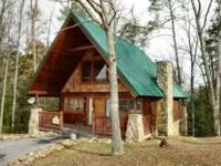 Romantic 1 bedroom 1.5 ba mountain cabin in lovely area
