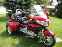 ............... Honda Goldwing GL1800 with a ROADSMITH