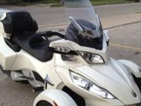 ,,,,,..2011 CAN-AM SPYDER RT LIMITEDEngine Size
