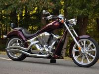********ADULT RIDDEN GARAGE KEPT BURGUNDY HONDA VT 1300