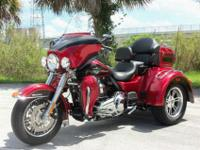 jhvbjk,.....The 2012 Tri Glide Ultra Classic motorcycle