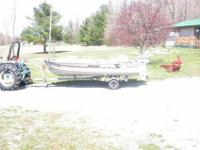 Boat, trailor, two swivel seats, battery, Hummingbird