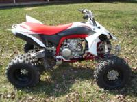 2009 YFZ450R. This is one radical quad. This is an all