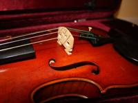 Used Violin from 2004, includes case, bow and shoulder