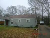 Excellent starter home or ready-to-go rental! Fully