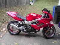 up for sale is a 1998 honda superhawk 996 aka the