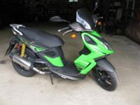 Kymco Super 8 50cc scooter. Mileage 785. New Battery