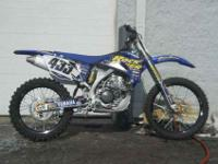 2008 YAMAHA YZ250, Two-tone Team Yamaha Blue / White,