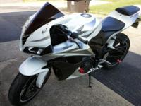 2007 CBR 600 RR That's in really good shape never