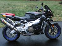 Stunning 1000R Black with Akrapovic Racing Exhaust Mint