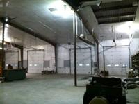 Nice 8000 sq ft shop for rent. Great location near