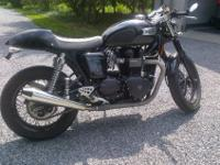 Beautiful, like new Triumph Thruxton cafe racer with