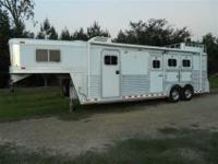 2001 Elite three horse G neck slant. seven tall 7 6 amp