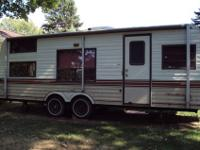 1986 Yellowstone Camino Travel trailor. 26` very good