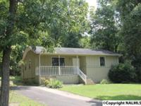 Cozy Country Home in Fort Payne offering 2 bedrooms and