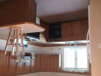 Very nice unfurnished 2 bed 1 bath. Secure entry way,