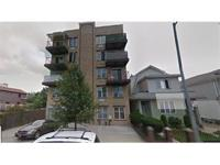 Beautiful 2 bedroom Condo on the first floor located in