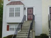 Well Kept Town Home, Close to Routes 495, 295, 50, and