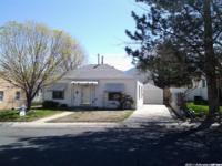 Great little home located in Tooele Utah. Hardwood
