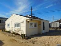 Beautiful Bungalow, Located in Ocean Beach unit 3 Close