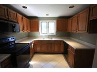 TURN KEY! Remodeled unit in Castle Hill. New furnace,