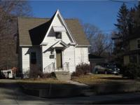 Perfect move up home w/craftsman style, is looking for