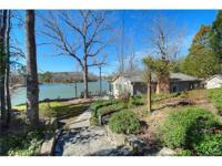 Sweet waterfront cottage in Lake Wylie! Two bedrooms