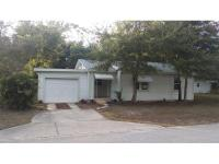 Great location and great 2/1 bungalow style home!!