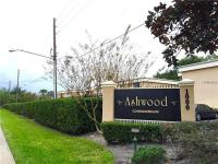 Cozy 2/2 second floor unit condo in the Ashwood