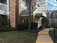 Rare ground floor corner unit w/ 2 bedrooms 2 full