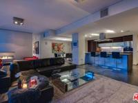 Chic & luxurious 2 bed, 2.5 bath + den Penthouse with