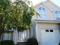 Lovely Townhome In Willow Ponds! Close To The Beach