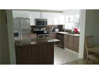 Beautiful spacious apartment with canal view. Open and
