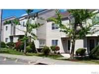 Great location, great price! This 3 level townhouse