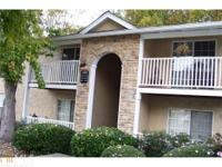 Beautiful condo located in Vinings. Minutes from
