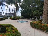 Bayfront 2 bed/2 bath condo in Aventura in the super