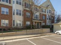 Sunny Top Level Condo - 2 sided gas FP, breakfast room,