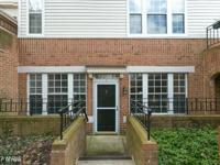 Charming and beautiful 2 BR 2 BA condo in the heart of