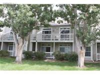 Beautiful condo in Country Club Greens! Two large