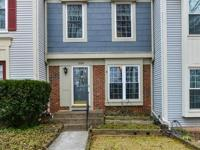Fabulous 3 level townhouse in Penderbrook. Hardwoods on