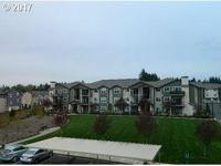Lovely third floor condo in the beautiful Autumn Creek